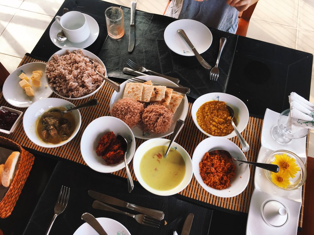 The extensive Sri Lankan breakfast platters.