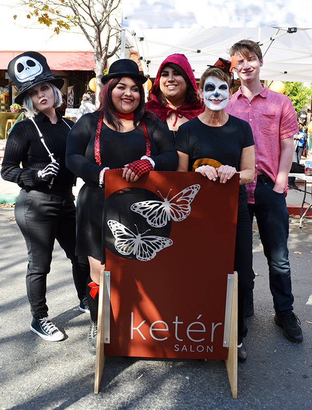Keter Salon - Scary Hair Booth