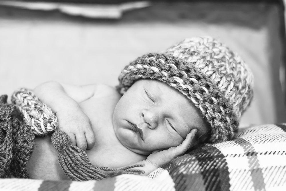 Newborns-9.jpg
