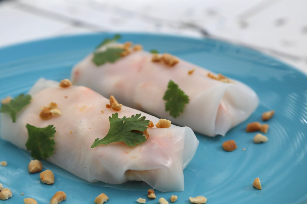 Prawn & Papaya Summer Roll: Prawns, papaya salad, mint & coriander wrapped with rice wrapper