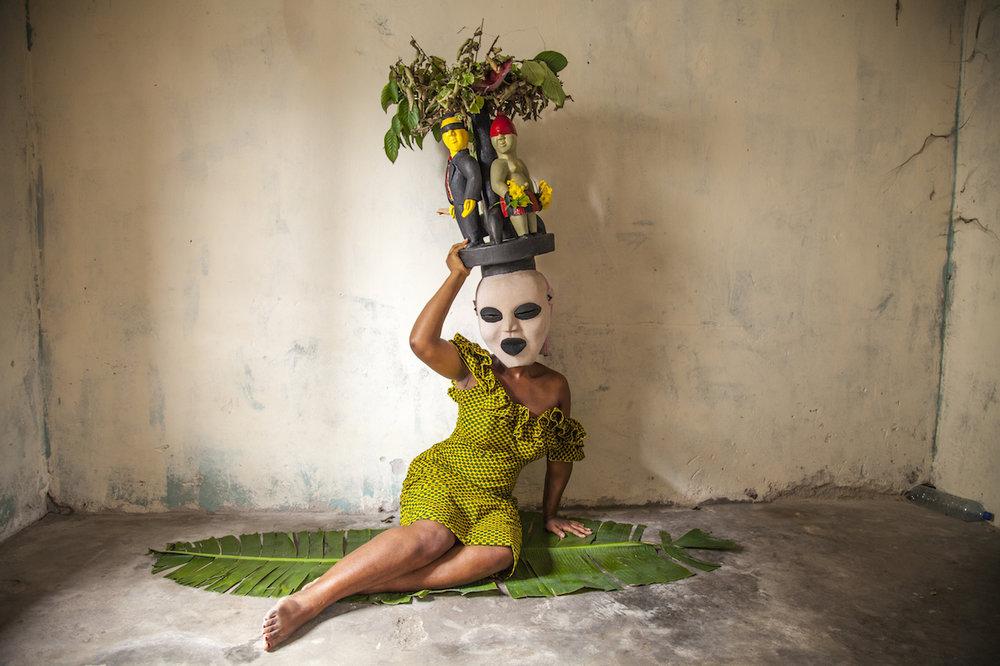 Foto de: Zina Saro-Wiwa (http://www.zinasarowiwa.com/photo/the-invisible-man/)