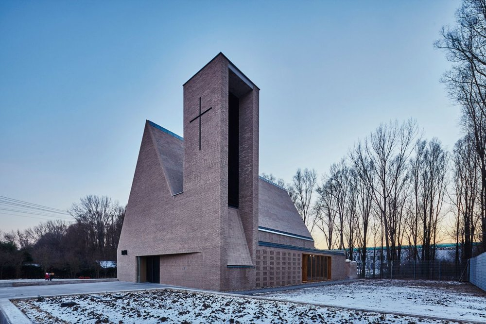 Debrecen Church by Györffy Zoltán, winner of the Hungarian Media Architecture Prize 2016