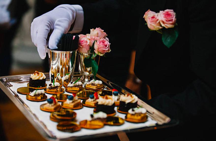 Arbutus-Catering-Wedding-NI-Award-Winning2.png