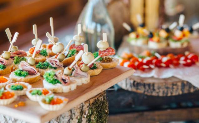 Arbutus-Catering-wedding-catering-ni5.png