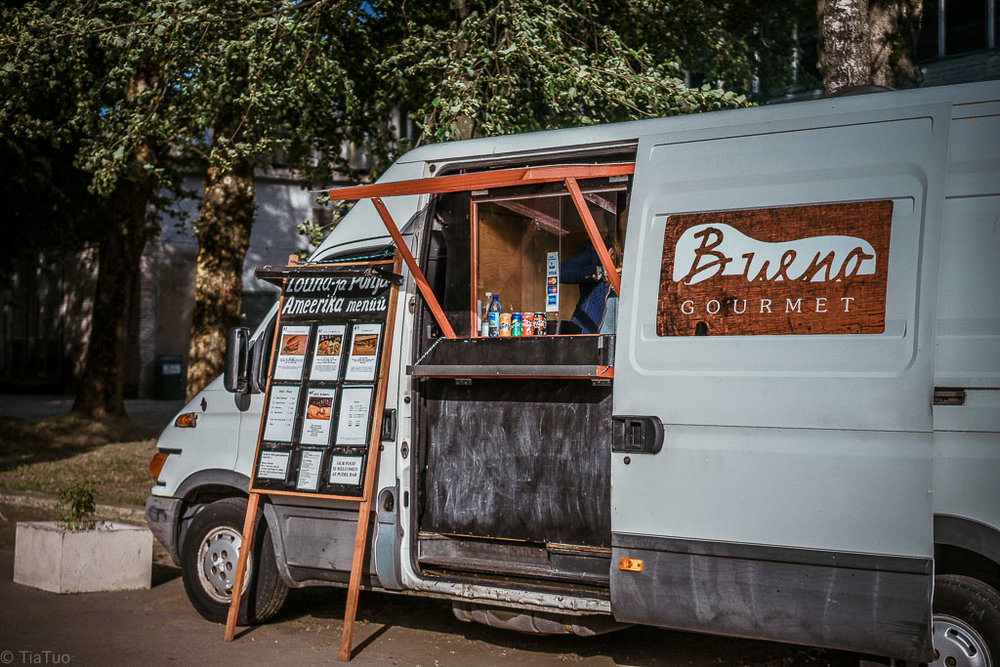 Bueno Gourmet - food trucks are a thing in Telliskivi.