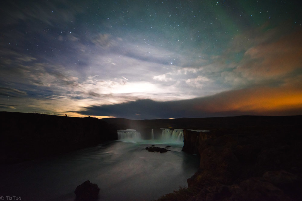 Goðafoss at night