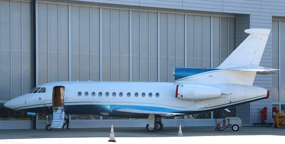 Falcon 900EX 75 02.jpg