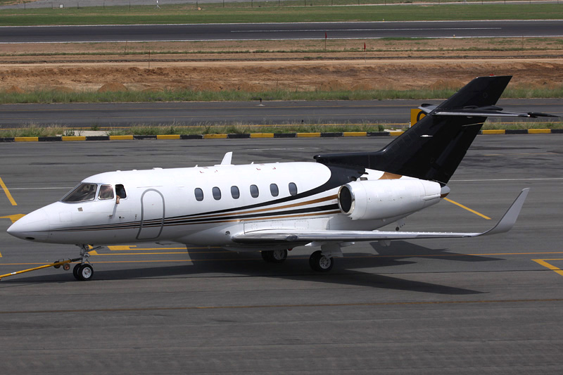 2003 Hawker 800XP Winglets 02.jpg