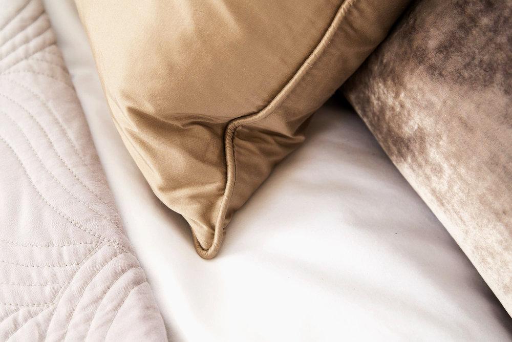 O detail cushion ed.jpg