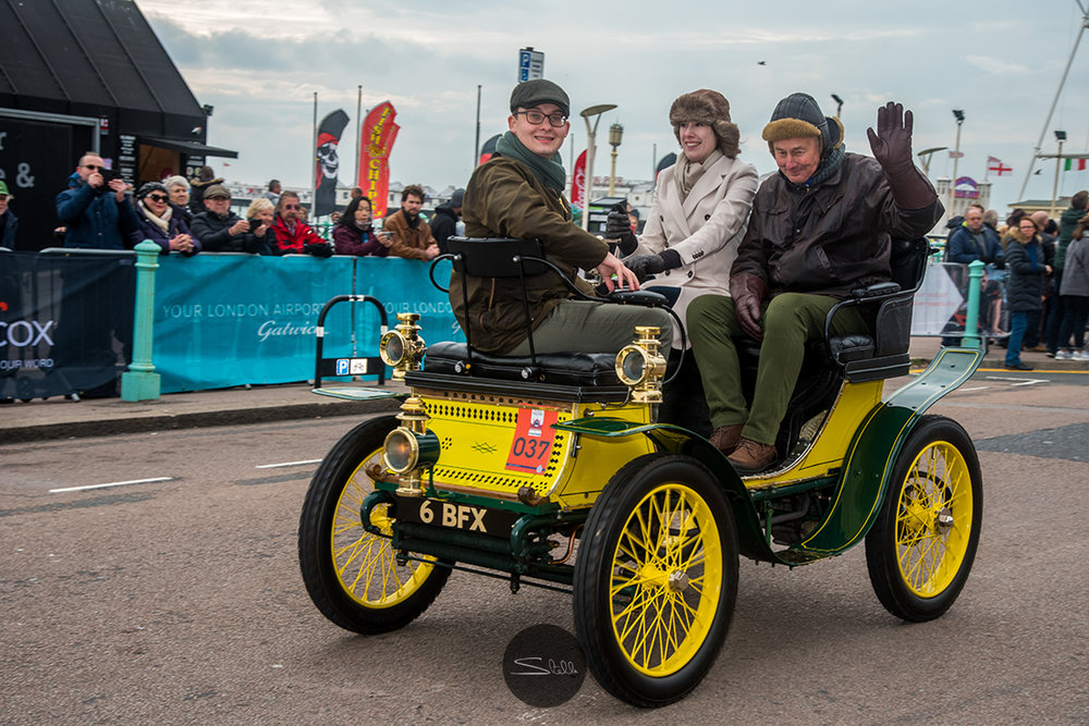 Driver Miss Sophie Petit of a 1900 de Dion Bouton, 1 Cylinder 3.5 HP.