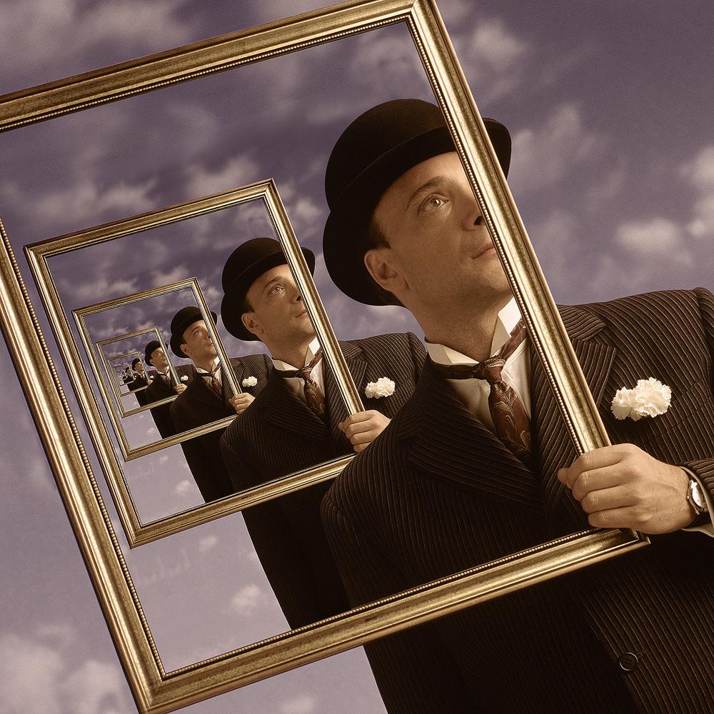 MR.BLUEframe.jpg