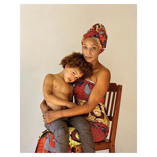 """Sophie Morris @sophiemorrisphotography """"Adi Xavier"""" #sophiemorris #portrait #reportage #motherhood #baby #mother #motherandchild #madonnaandchild #equallens #5050photography"""