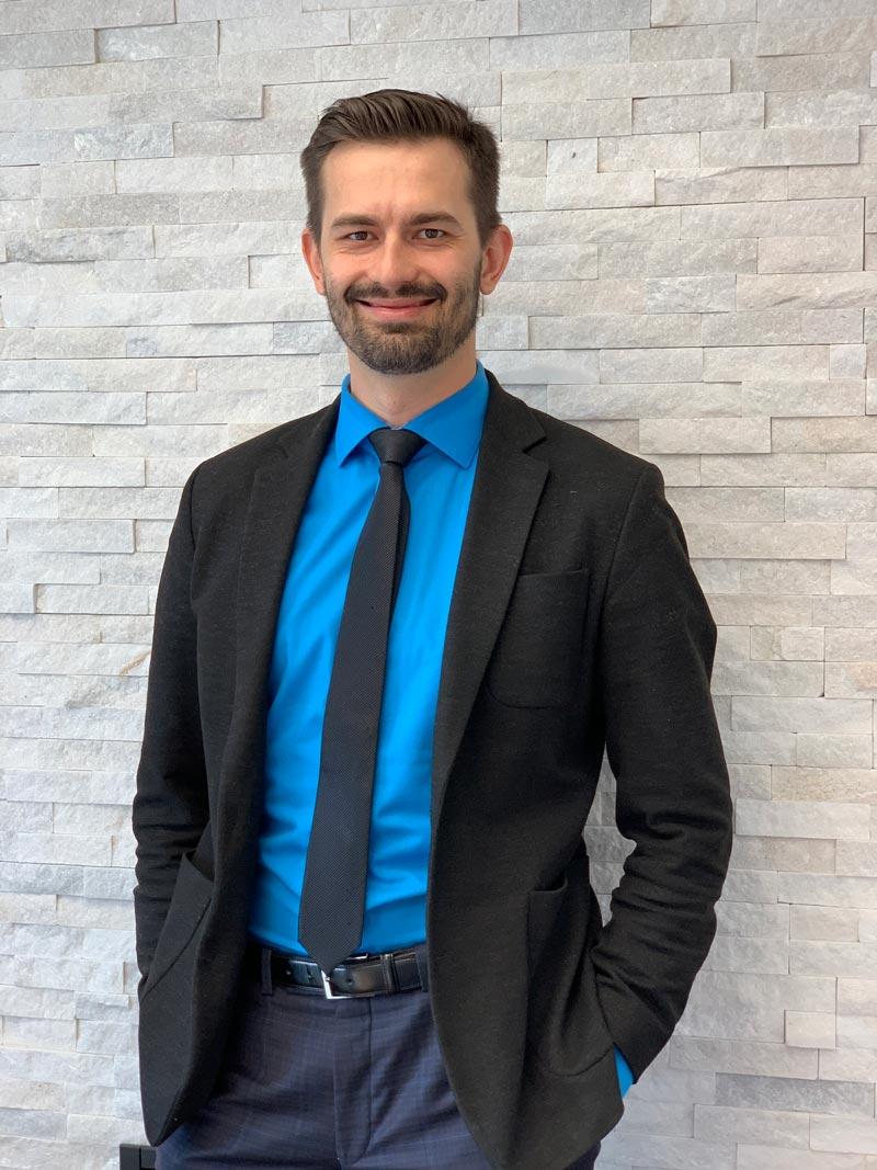 Yev-Kravchenko-office-manager-Burlington-800.jpg