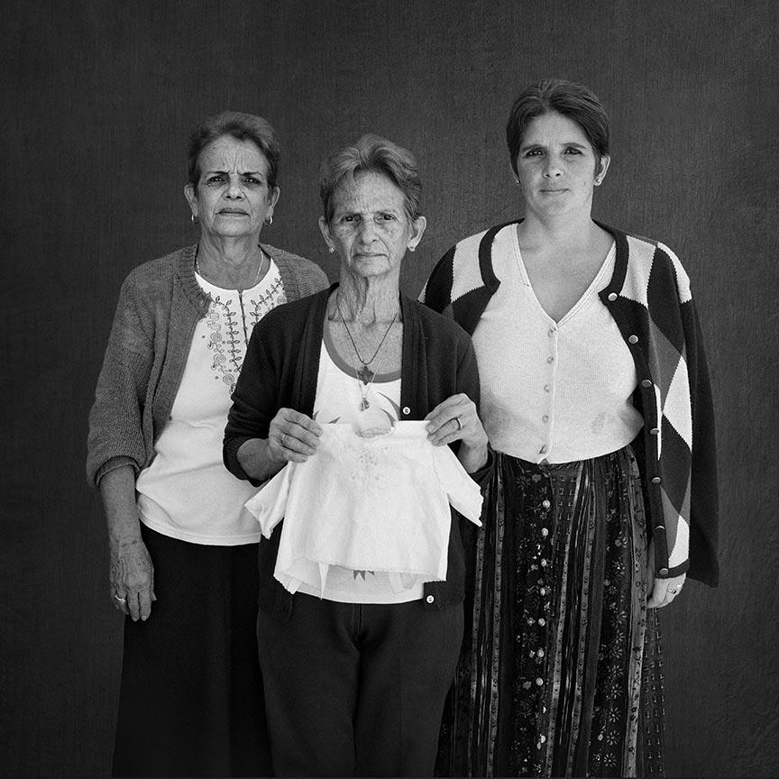 Gudelia, Edelia and Alina, series La Milagrosa