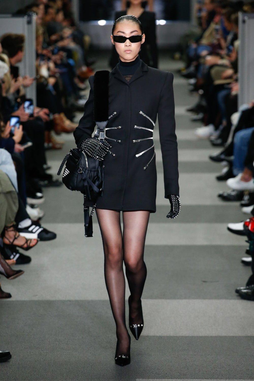 alexander_wang_look_2_ready_to_wear_autumn_2018.jpeg