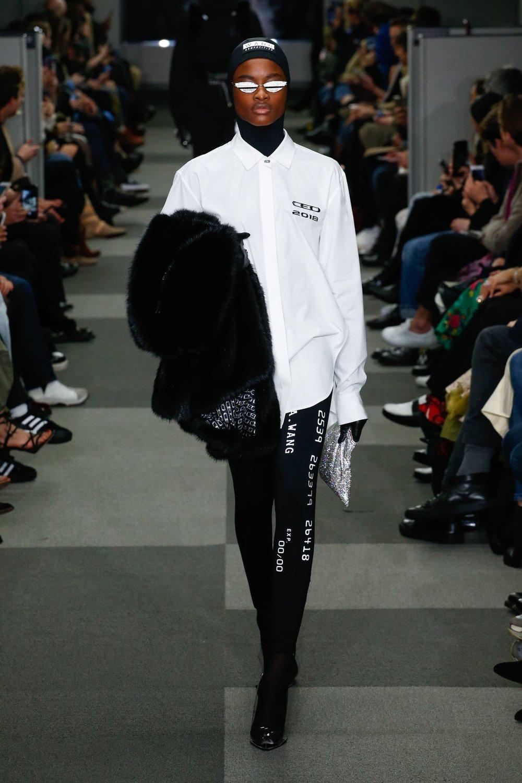 alexander_wang_look_24_ready_to_wear_autumn_2018.jpeg