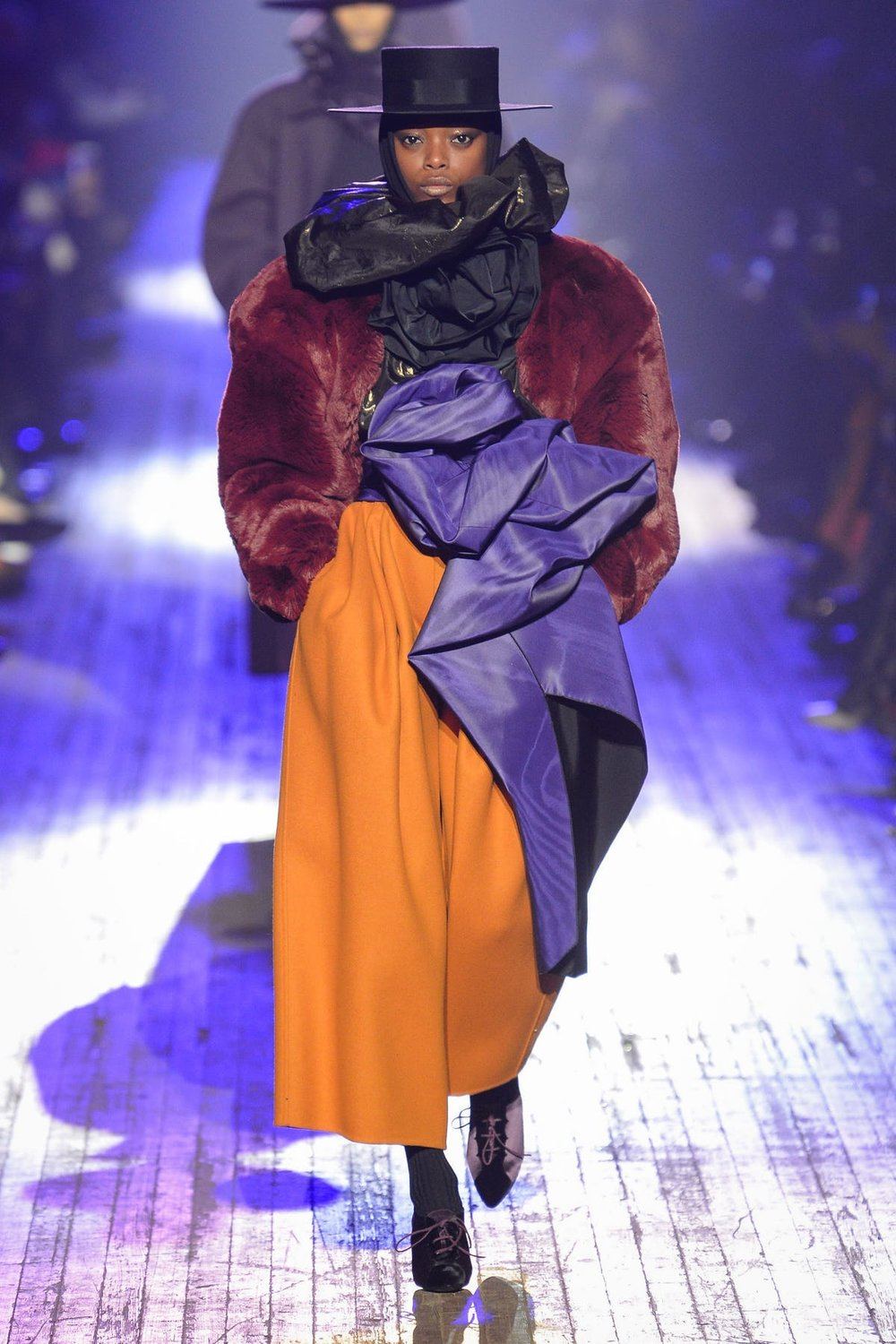 marc_jacobs_look_16_ready_to_wear_autumn_2018.jpeg