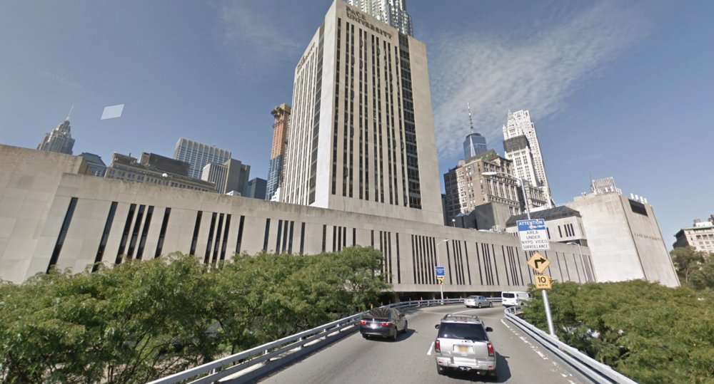 Pace Plaza as seen from the Brooklyn Bridge onramp. Google Maps, 2018.