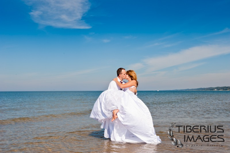 lake michigan trash the dress, grand rapids wedding photographer (2)