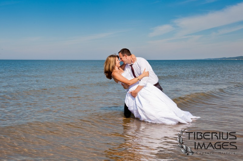 lake michigan trash the dress, grand rapids wedding photographer (1)