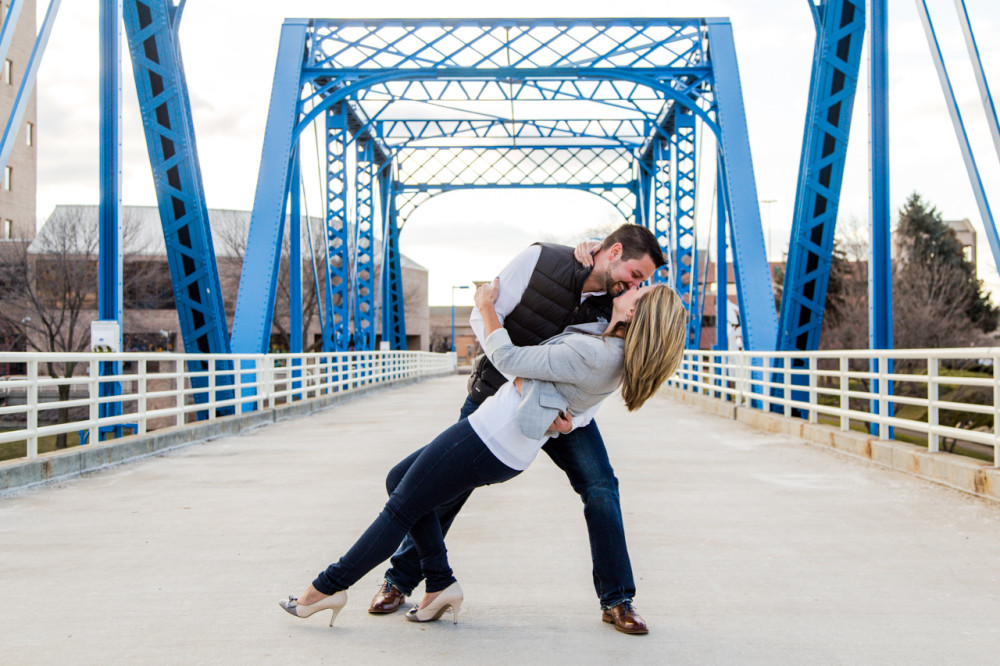 downtown grand rapids engagement photos, engagement photos downtown grand rapids, engagement photos grand rapids, grand rapids engagement photos, blue bridge engagement photos grand rapids, grand rapids engagement photos blue bridge (8)