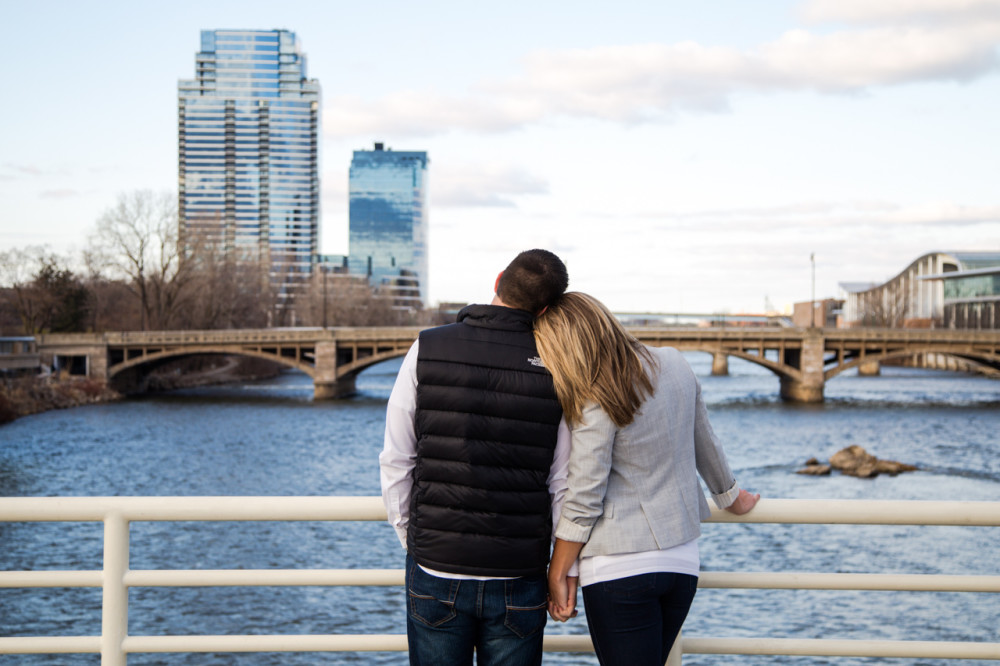 downtown grand rapids engagement photos, engagement photos downtown grand rapids, engagement photos grand rapids, grand rapids engagement photos, blue bridge engagement photos grand rapids, grand rapids engagement photos blue bridge (7)
