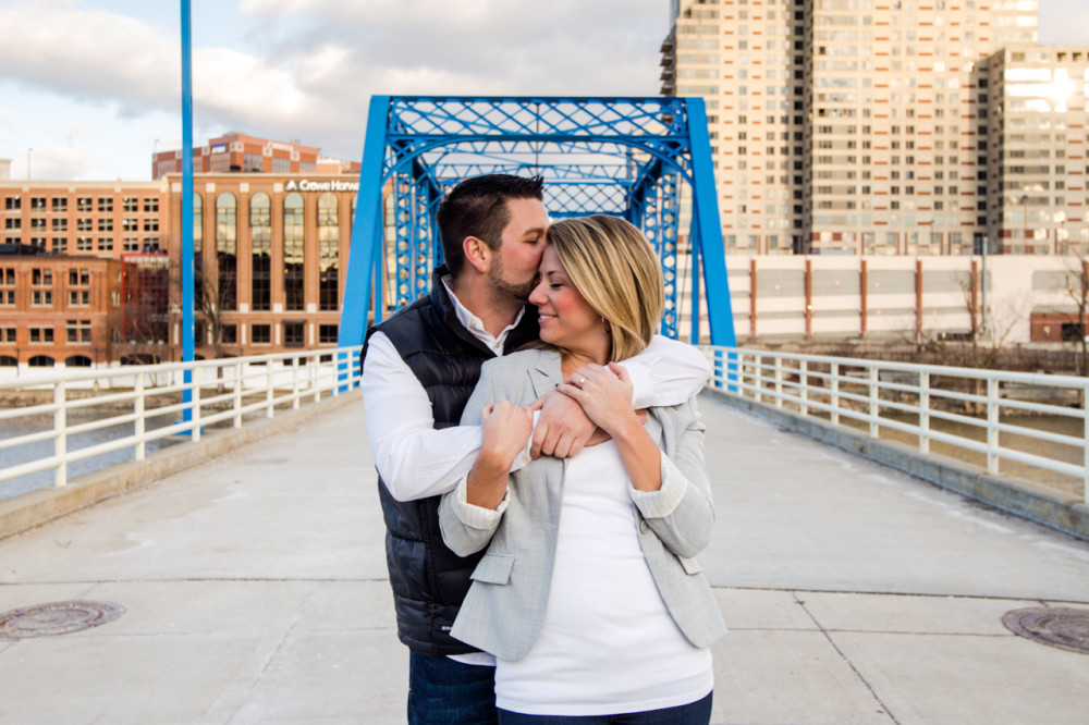 downtown grand rapids engagement photos, engagement photos downtown grand rapids, engagement photos grand rapids, grand rapids engagement photos, blue bridge engagement photos grand rapids, grand rapids engagement photos blue bridge (6)