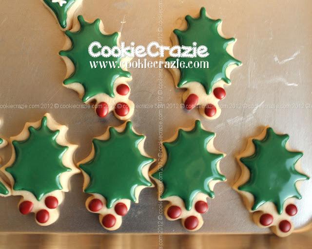 Simply Christmas Cookies Holly Leaf Tutorial Cookiecrazie