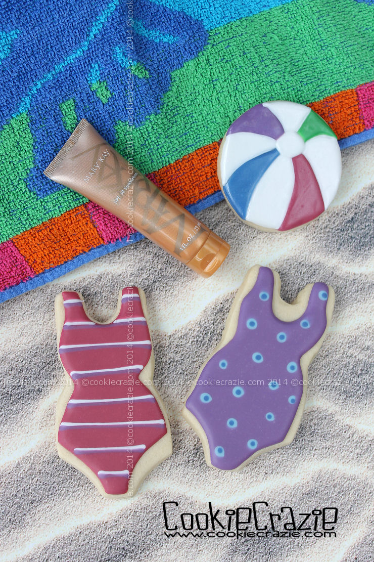 /www.cookiecrazie.com//2014/06/swimsuit-cookies-tutorial.html