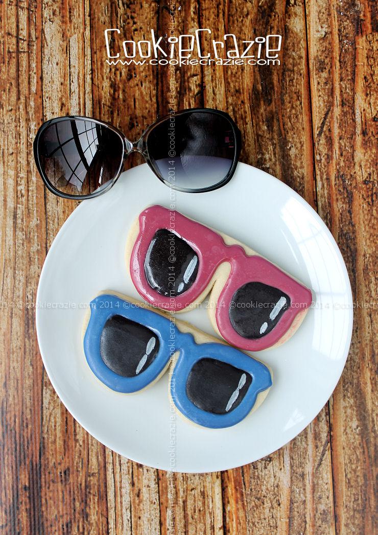 /www.cookiecrazie.com//2014/06/sunglasses-cookies-tutorial.html
