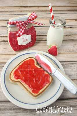 /www.cookiecrazie.com//2016/05/strawberry-jam-on-toast-decorated.html