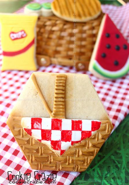 /www.cookiecrazie.com//2016/07/picnic-basket-decorated-cookie-tutorial.html