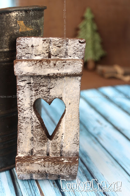 /www.cookiecrazie.com//2016/05/wood-planked-wall-cut-out-decorated.html