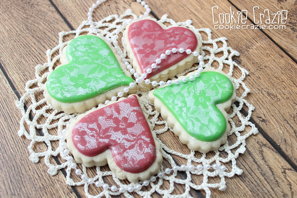 /www.cookiecrazie.com//2014/07/airbrushed-lace-heart-cookies-tutorial.html