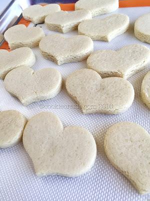 /www.cookiecrazie.com//2016/08/simple-grain-free-and-gluten-free-cut.html