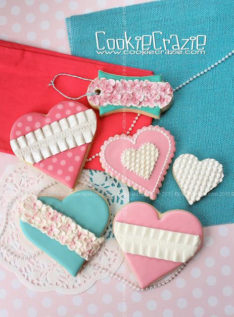 /www.cookiecrazie.com//2016/02/pink-aqua-texture-mat-heart-cookies.html