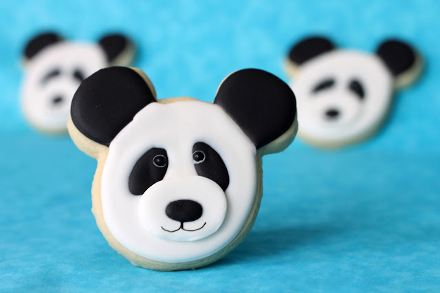 /www.cookiecrazie.com//2013/04/panda-bear-cookies-tutorial.html