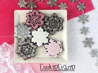 /www.cookiecrazie.com//2015/12/snowflake-stamper-cookie-cutters.html