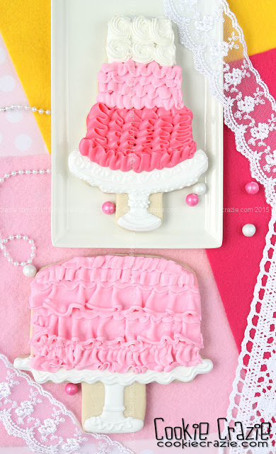 /www.cookiecrazie.com//2015/10/shabby-chic-ruffle-cake-cookies-tutorial.html