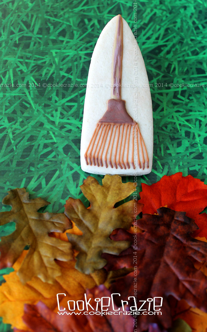 /www.cookiecrazie.com//2014/10/autumn-leaf-rake-cookie-tutorial.html