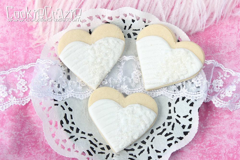 http://www.cookiecrazie.com/2014/10/wedding-bride-heart-cookies-tutorial.html