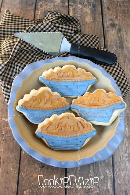 /www.cookiecrazie.com//2013/11/thanksgiving-pie-cookies-tutorial.html
