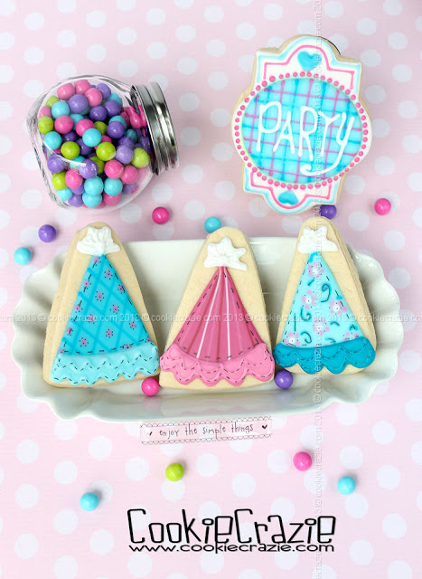 /www.cookiecrazie.com//2013/10/birthday-party-hat-cookies-tutorial.html