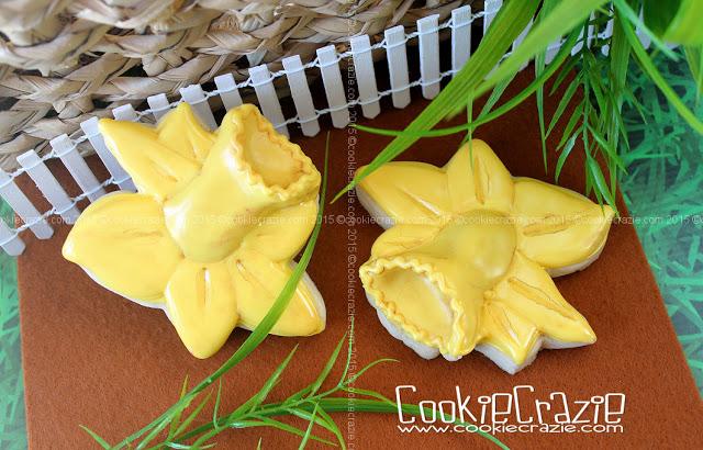 /www.cookiecrazie.com//2015/03/daffodil-cookies-tutorial.html