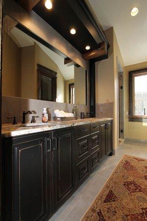 Bathroom Remodel Projects Helton Enterprises Denver Home - Bathroom remodel contractors denver