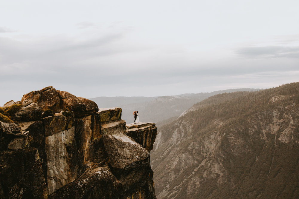 Yosemite Elopement Sunset Taft Point-84.jpg