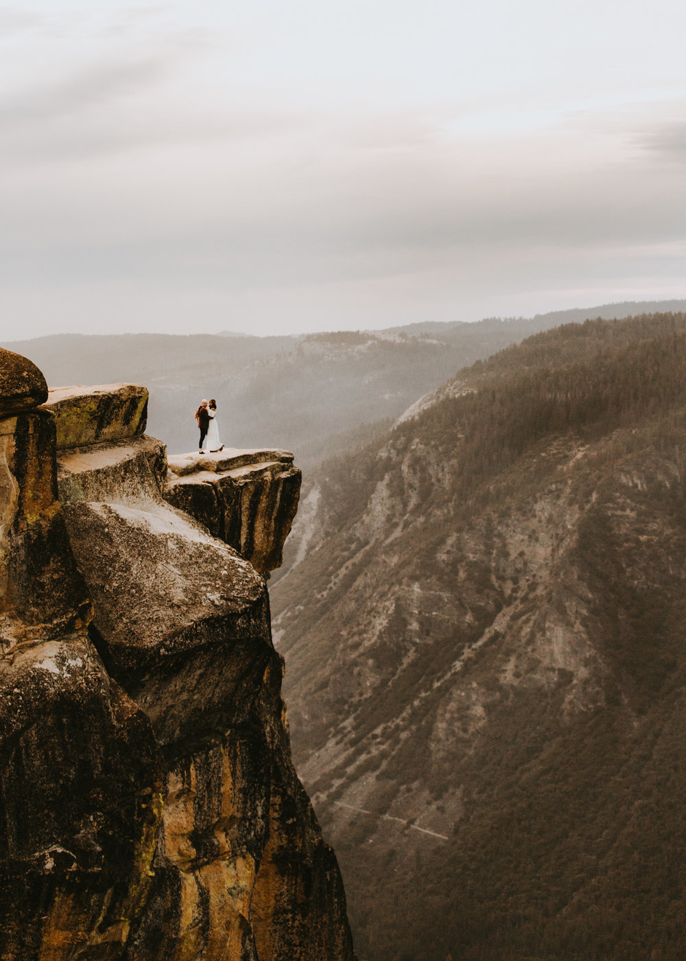 Yosemite Elopement Sunset Taft Point-86.jpg