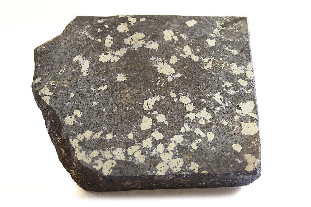 Marce sample: Zn: 26.7%, Ag: 420 g/t, Au: 3.51 g/t, Pb: 6.3%