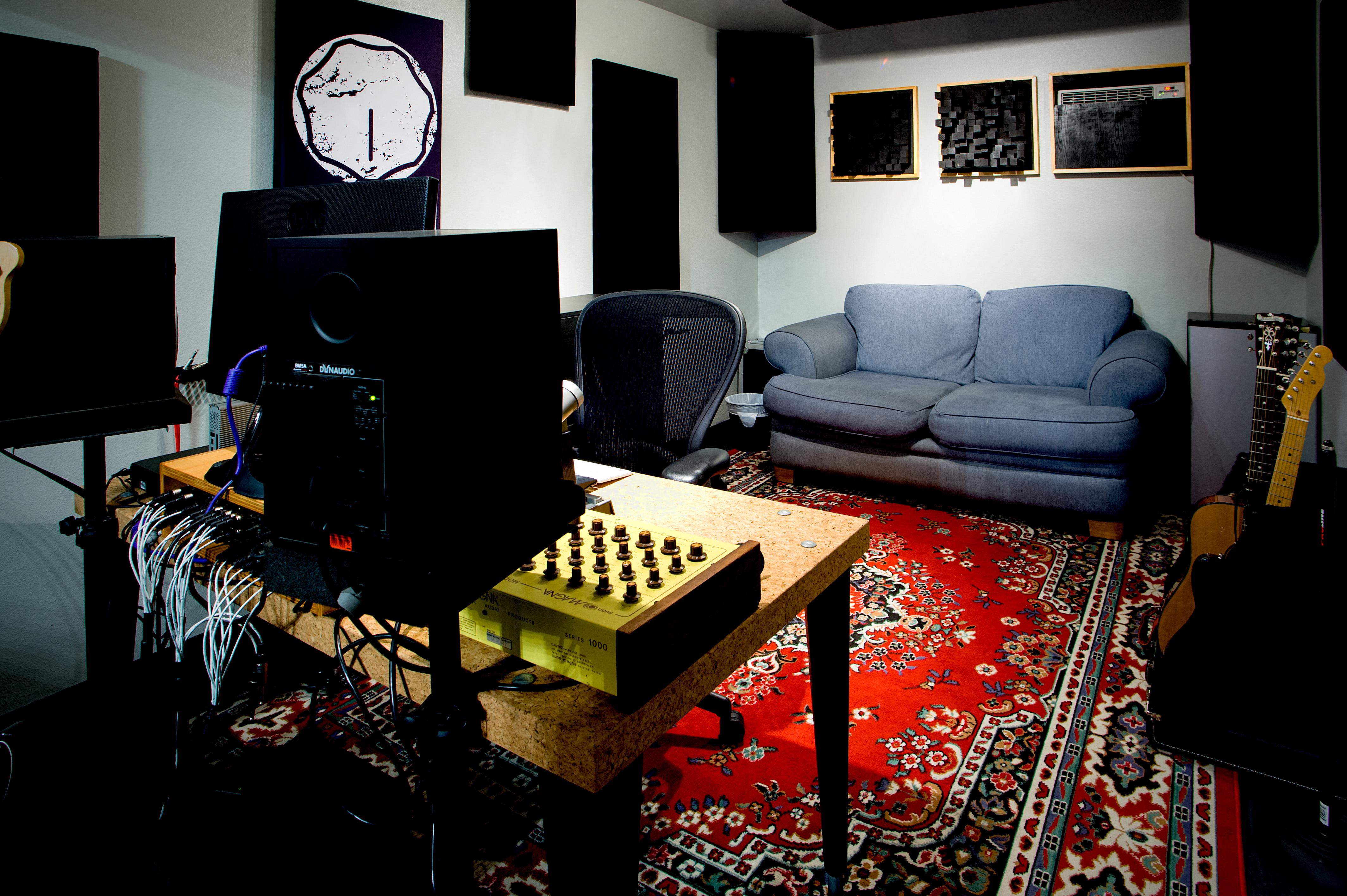 Madman Sound 3.jpg