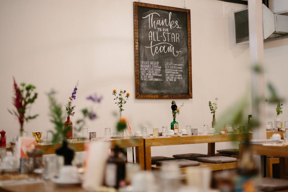 alternative-glasgow-wedding-daisy-bisley-chalkboard-favours-caro-weiss-neatly-wrapped
